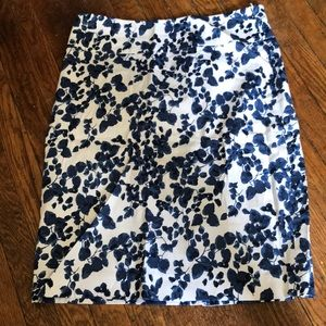 Like new blue and white casual midi skirt